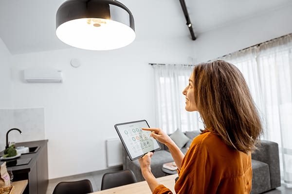 install the LED smart lighting for you home can save money and energy for your home